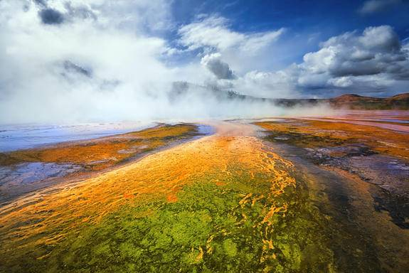 13-Day Yellowstone National Park Tour: Lake Powell, Grand Teton, Grand Canyon West, Las Vegas, Salt Lake City, San Francisco and California Theme Parks