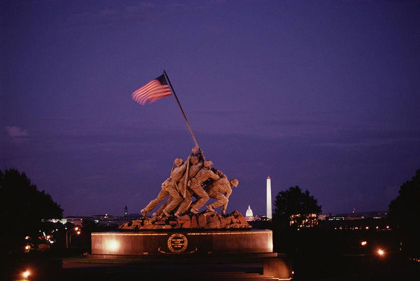 Monuments by Moonlight Night Tour in Washington DC