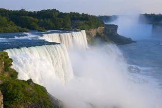 2-Day Niagara Falls In-Depth Tour from Toronto