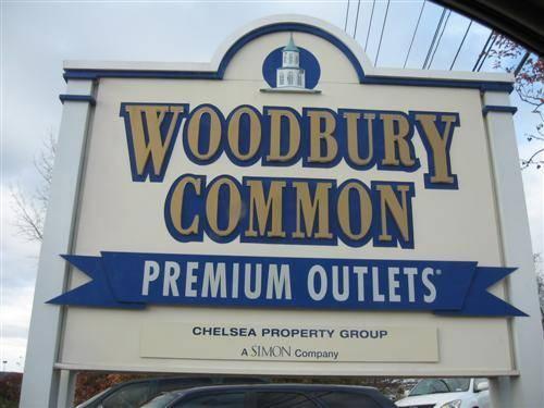 New York Woodbury Common Premium Outlets Shopping Tour