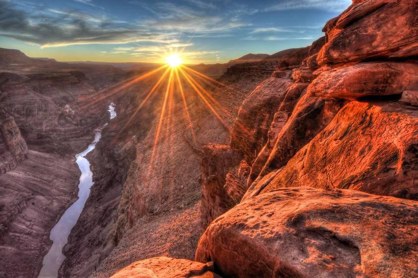 7-Day Bus Tour to Death Valley, Grand Canyon, Las Vegas, Disneyland/San Diego, Universal Studios from San Francisco