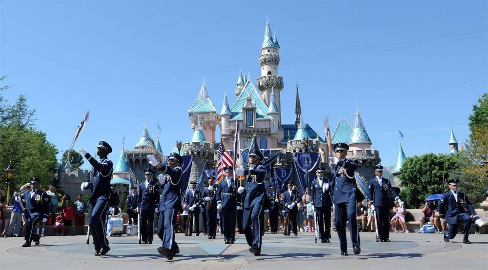 1-Day Disneyland Tour