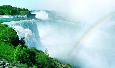5-Day East Coast & Canada Bus Tour from New York to Corning, Niagara Falls, Toronto, Thousand Island, Montreal, Quebec