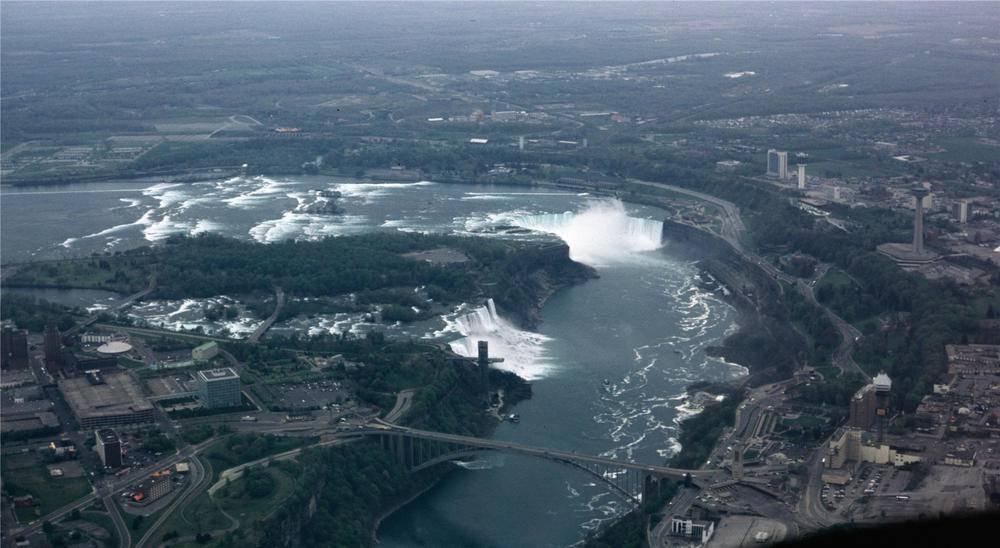 6-Hour Canadian & American Niagara Deluxe Combo Tour