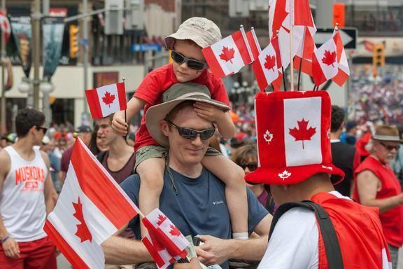 6-Day Bus Tour to Montreal, Quebec City, Ottawa, Niagara Falls and Montreal from Toronto