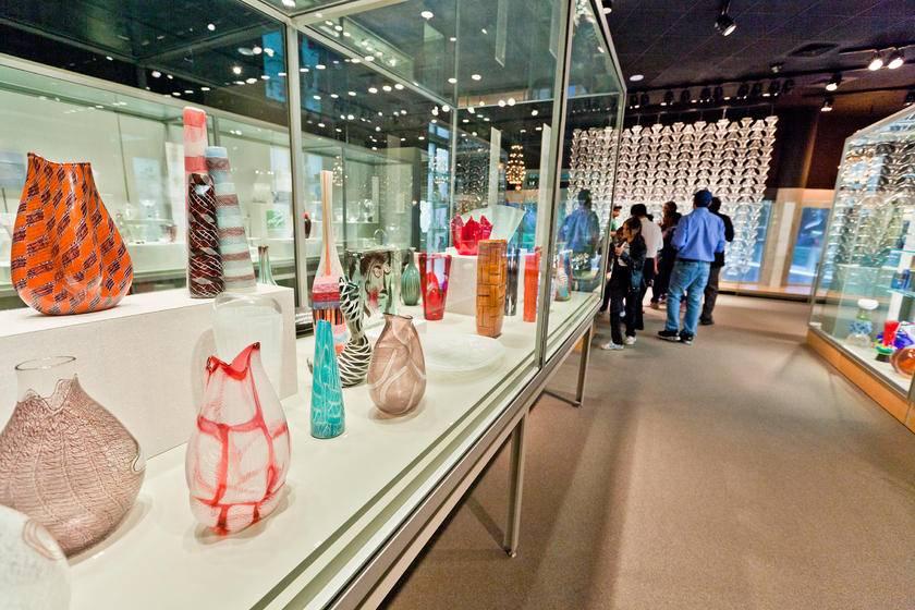 2-Day Niagara Falls Tour From New York/New Jersey W/ Watkins Glenn & Corning Glass Museum - Super Value