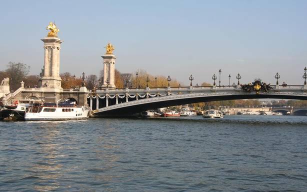 3.5-hour Bohemian Paris Tour
