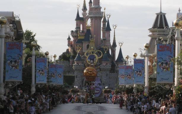 Disneyland Paris - 1 day, 2 Parks