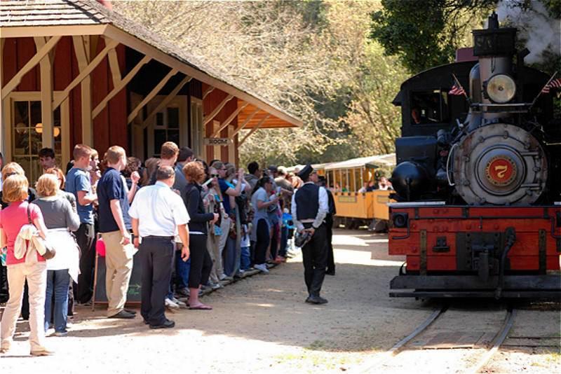 California Roaring Camp Railroad Tour