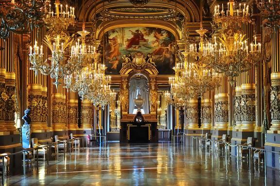Versailles Small Group Tour w/ Skip-the-Line Access: AM Departure