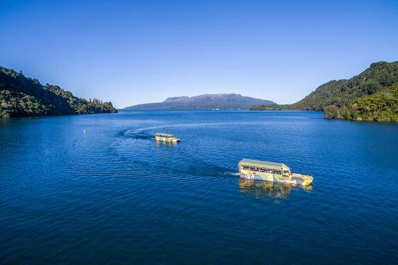 Rotorua City and Lakes Sightseeing Tour