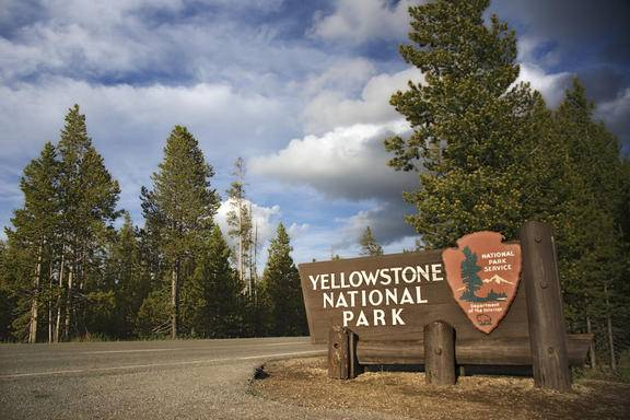 10-Day Las Vegas, Yellowstone, Grand Circle Tour and  1 Choice of 8 Items