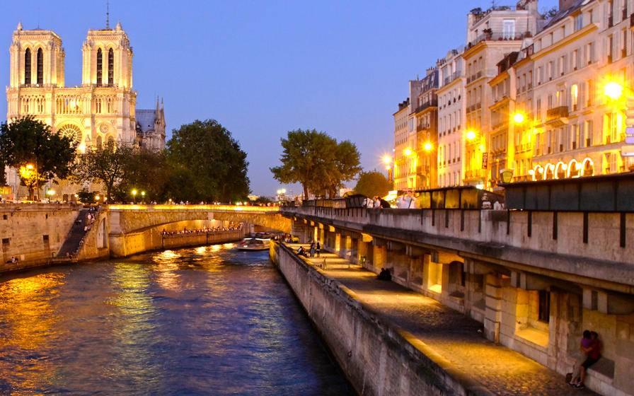 58 Tour Eiffel Dinner + Seine River Cruise