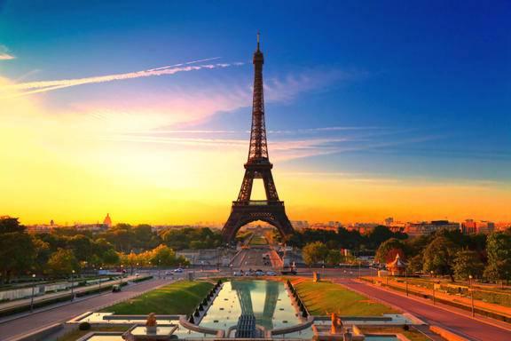 Paris Night Tour w/ Eiffel Tower + Seine River Cruise