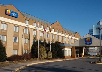 Photo 1: Comfort Inn Capital Beltway