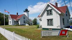 mansion breakers:2-Day Martha's Vineyard, Essex Steam Train Tour, Riverboat Ride, Breaker Mansion in Rhode Island Tour
