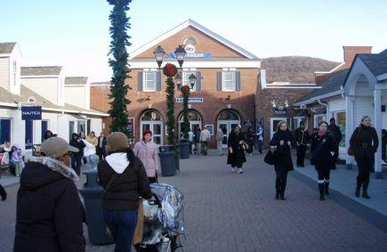 1-Day Tour to West Point Military Academy & Woodbury Outlets Shopping Tour