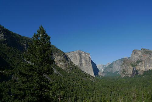 15-Day Yosemite, Death Valley, Zion National Park and San Diego Bus Tour Package