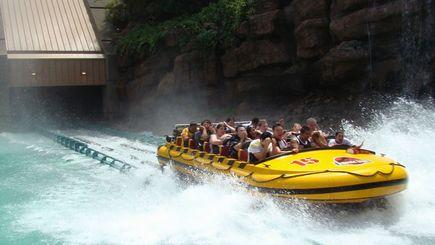 4-Day Grand Canyon & Las Vegas Bus Tour: Los Angeles, Hoover Dam and California Theme Parks
