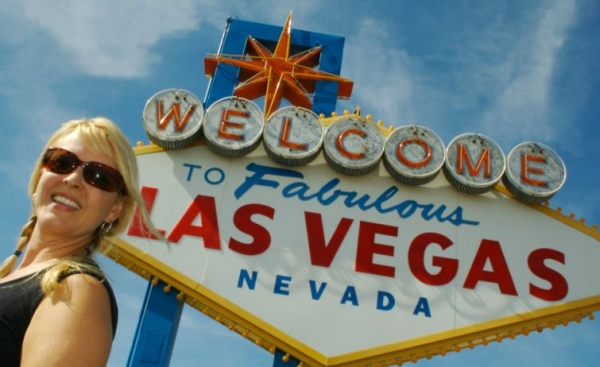 affordable hotels in las vegas strip:Big Bus Tours Las Vegas - 48 hour Hop-On Hop-Off Pass