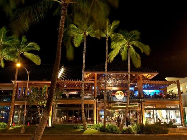 acoomadtion sight seeing toirs hawaii:Hard Rock Cafe - Hawaii