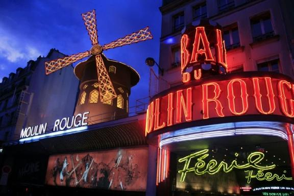58 Tour Eiffel Dinner, Seine River Cruise + Moulin Rouge Tickets