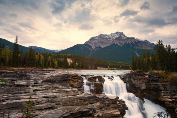 Photo 1: Grand Western Canada Vacation