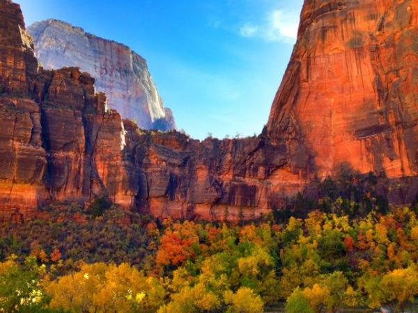 3-Day National Parks Tour From Vegas: Grand Canyon, Zion, Bryce, Antelope Canyon, Lake Powell & Monument Valley - Winter