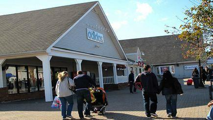 1-Day Woodbury Outlet Black Friday Crazy Sale Shopping Tour