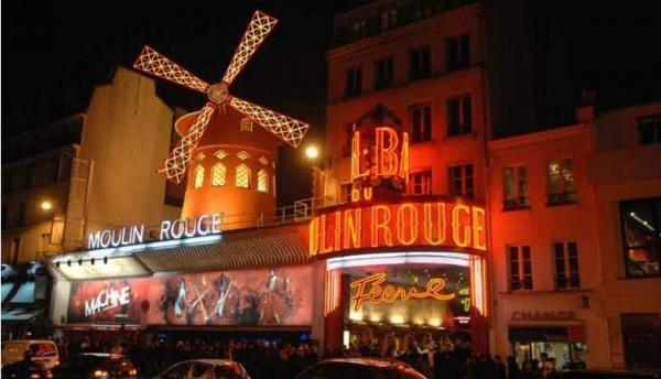 River Seine Cruise + Moulin Rouge Show