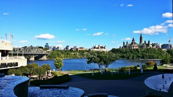 6-Day Ottawa, Montreal, Quebec City, Thousand Islands and Niagara Falls Package Tour from Toronto