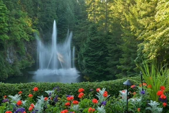 4-Day Vancouver, Victoria or Whistler Tour Package (Vancouver/Seattle Airport Tansfers)