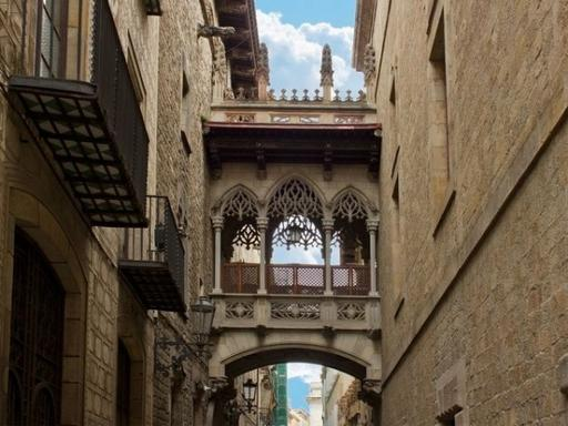 1-Day Barcelona City Highlights and Artistic Tour