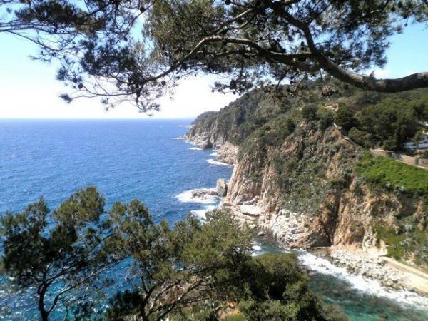 Costa Brava Day Trip w/ Tossa de Mar and Lloret de Mar