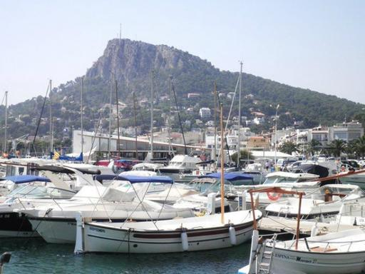 Costa Brava Day Trip w/ Medes Islands and Empuries Archaeological Site