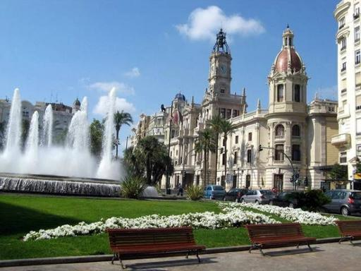4-Day Valencia and Barcelona Holiday Package: Madrid to Madrid