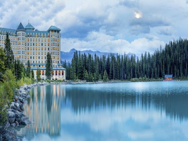 calgary to jasper tour:Great Resorts Of The Canadian Rockies With The Calgary Stampede