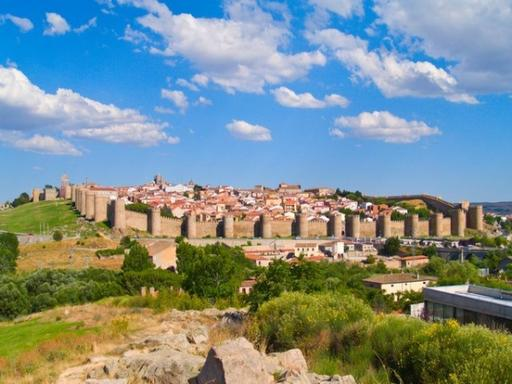 Full Day Trip to Avila and Segovia
