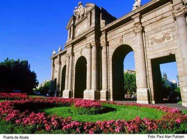 Madrid Sightseeing Tour w/ Half-Day Trip to Toledo