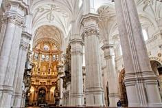 cathedral notre dame:Historic Granada + City Tour