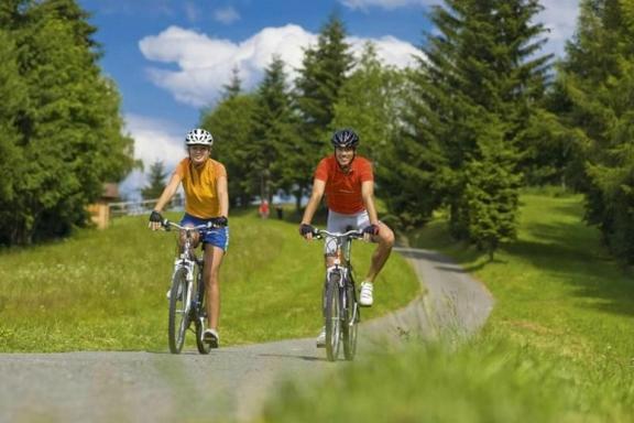 1-Day E-Bike Tour to Karlstejn Castle