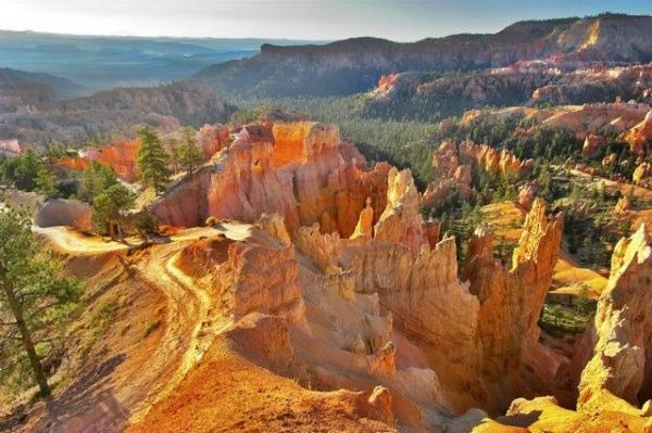 6-Day National Tour: Zion National Park, Horseshoe Bend, Grand Canyon West & Bryce Canyon Tour