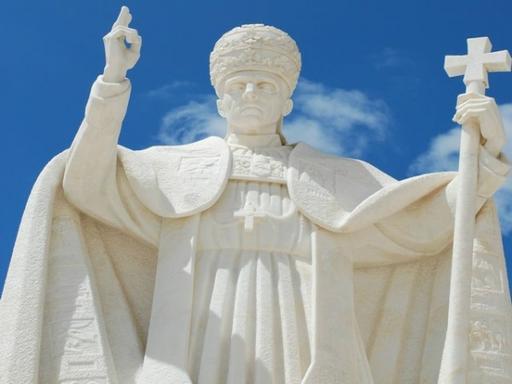 6-Day Escorted Religious Portugal Tour with Fatima, Obidos, Alcobaca & Batalha