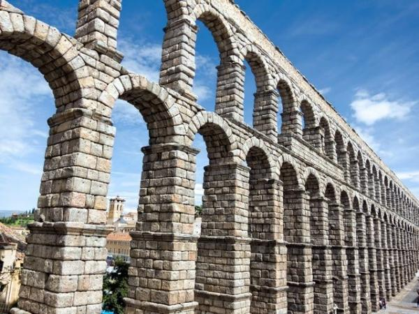 Segovia and Pedraza Day Trip from Madrid