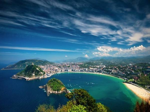 7-Day Bilbao Holiday w/ Daily Excursions