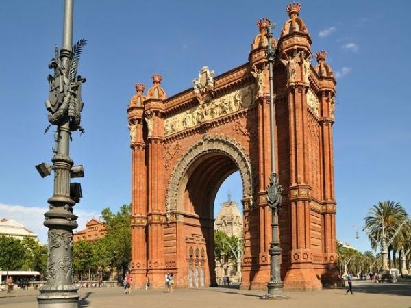Hop-On, Hop-Off Barcelona City Tour