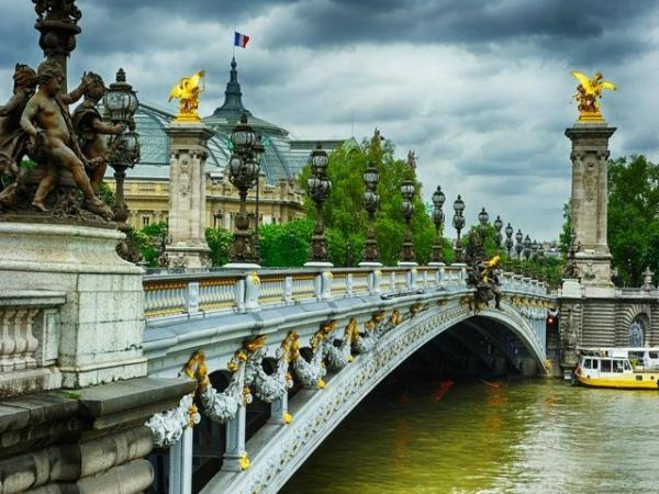9-Day Western Europe Tour from Amsterdam
