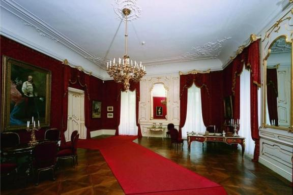 Sisi Tour from Budapest: Godollo Royal Palace