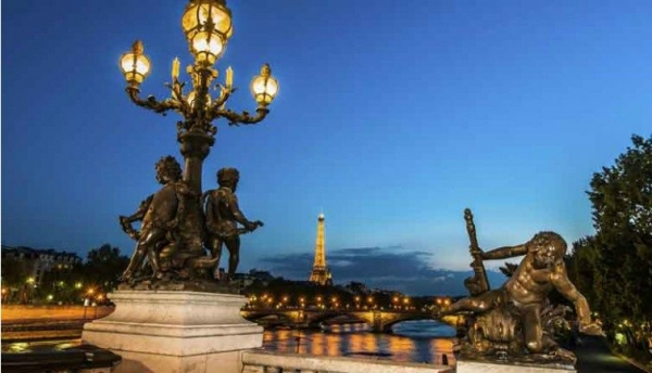 eiffel tower tour:5-Hour Paris by Night City Tour