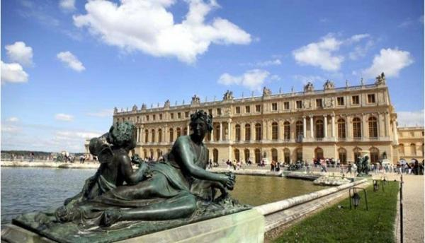 Half-Day Trip to Palace of Versailles | Eiffel Tower Departure